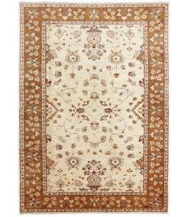 Ziegler Teppich  Dieser schöne Ziegler Teppich 00010155 stammt aus Pakistan und hat die Farbe Beige. Der Teppich ist aus hochwertigem Material Handgesponnene Wolle gefertigt und ist 187x265 cm groß, was einer Fläche von 4.96 m² entspricht. Dieser Ziegler Teppich besticht durch eine aufwendige Fertigung und einer Florhöhe von ca. 8 mm.   Verarbeitung: Handgeknüpft
