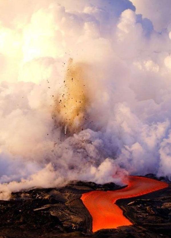 Фото: Извержение вулкана: гавайские острова - огненная лава и ...