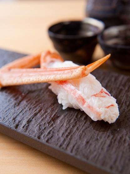 Japanese Kani Nigirizushi, Crab Meat Sushi|かにの握り