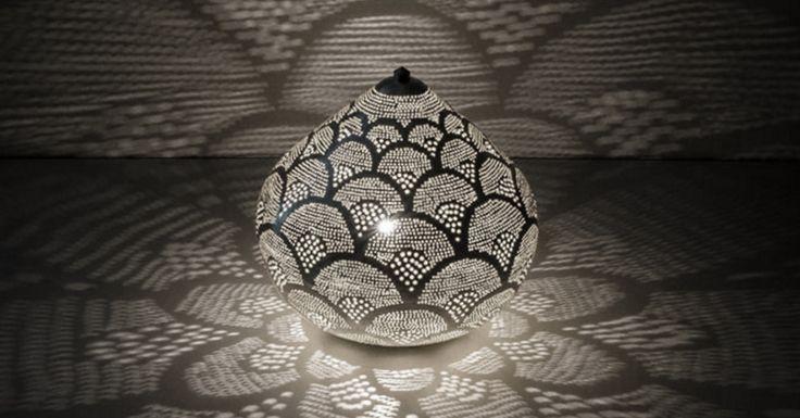 www.dePauwWonen.nl brengt U in Oosterse sferen met een leuke collectie Filigrain tafellampen. Tags: #Turkse lamp, #Mozaiek lamp, #Turkse mozaiek lamp, #Arabische lamp, #Oosterse lamp, #Oriëntaalse lamp, #1001-nacht lamp, #Marokkaanse lamp, #Egyptische lamp, #Indiase lamp, #Filigrain lamp, #Gaatjes lamp, #Zenza lamp