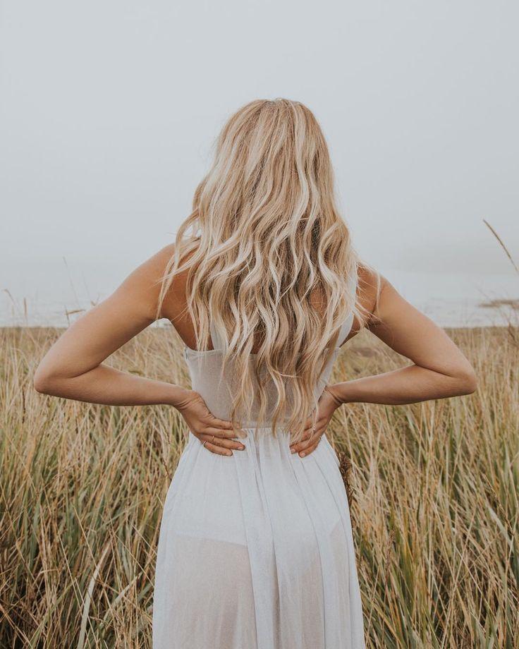 Картинки блондинок с длинными волосами со спины