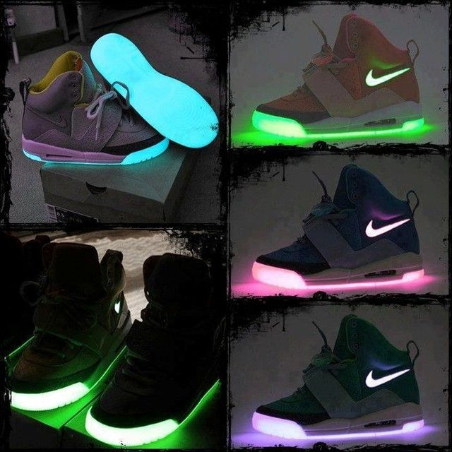 I don't care that I'd be the only person of 5 with lights on their shoes. I WAANT THESE.