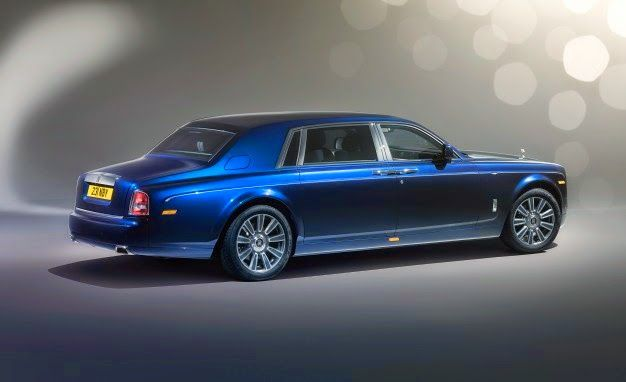 AutoGists Blog: Rolls-Royce shows Phantom 'Limelight Collection'