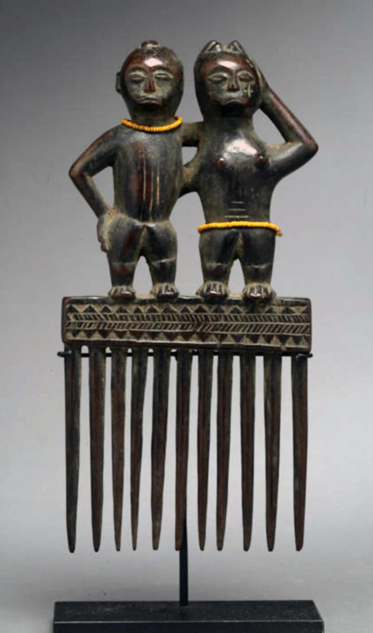 Africa | Comb from the Chokwe people of DR Congo | Wood and glass beads