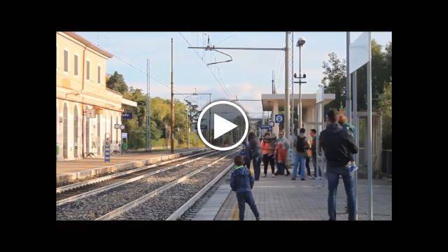 Nel video messo a disposizione dal lettore Federico Savino, appassionato ditreni storici, eccoil Barcolana Express, convoglio d'epoca trainato...