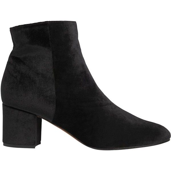Whistles Logan Block Heeled Ankle Boots (3.995 CZK) ❤ liked on Polyvore featuring shoes, boots, ankle booties, black velvet, block heel booties, velvet ankle boots, black bootie boots, low ankle boots and black square toe boots
