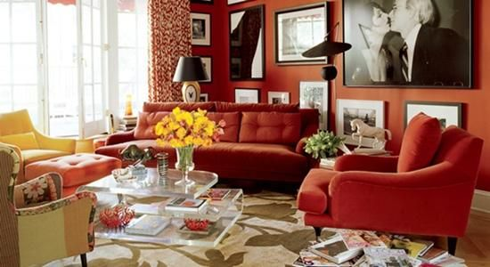 Decorating_with_red_on_walls_9
