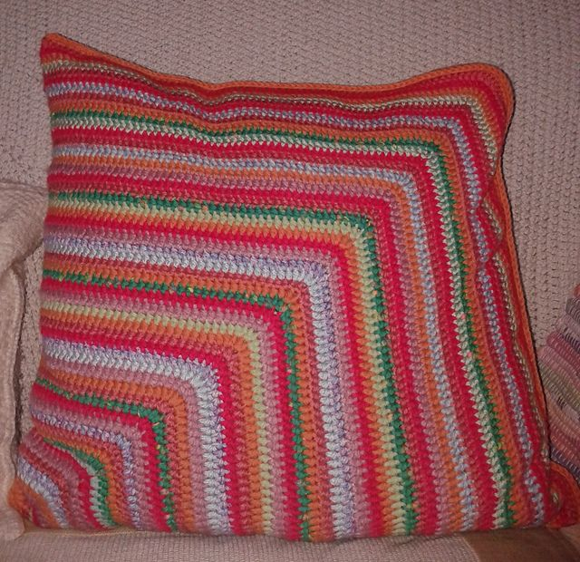 Ravelry: spinningdebs' Crochet Cushion