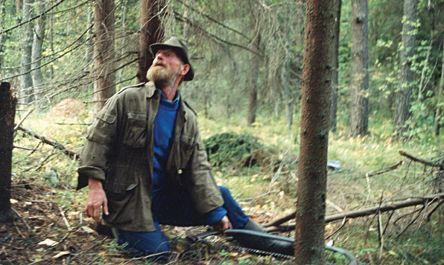 А. С. Калязин в окрестностях Подрябинья. Заготовка леса для соймы. Фотография А. Ю. Епатко