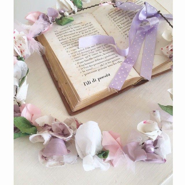 """""""Mi piace"""": 173, commenti: 15 - Daniela Corti•Wire & Textile (@filidipoesia) su Instagram: """"Hello Monday!! Buon lunedì d'estate... Cosa c'è di più estivo di una coroncina floreale?"""""""