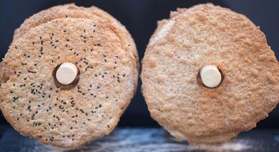 Two types of thin rye crispbread / tunt knackebrod