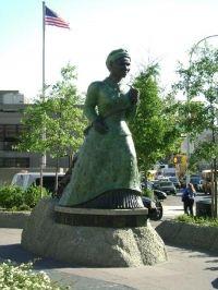 Harriet Tubman Statue, Harlem, NYC, www.RevWill.com