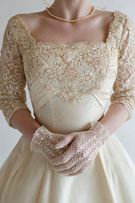 Vintage Ivory Wedding Gloves / 1950s by BelovedVintageBridal