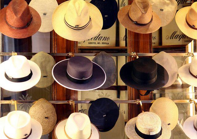 Spanische Sombreros für Caballeros - Sonnenhüte für Herren. Eleganz aus Sevilla. Diese Hüte werden stolz zur Feria de Abril getragen. http://www.ferienwohnungen-spanien.de/Sevilla-Stadt/artikel/sevilla-andalusische-verfuehrung