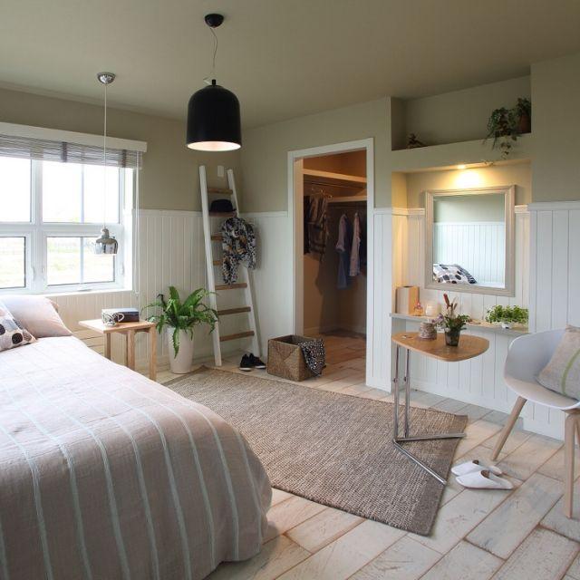 DECOさんの、Overview,雑貨,北欧,エイジング,イームズチェア,グリーンのある暮らし,塩系インテリア,earth color,パネリングについての部屋写真