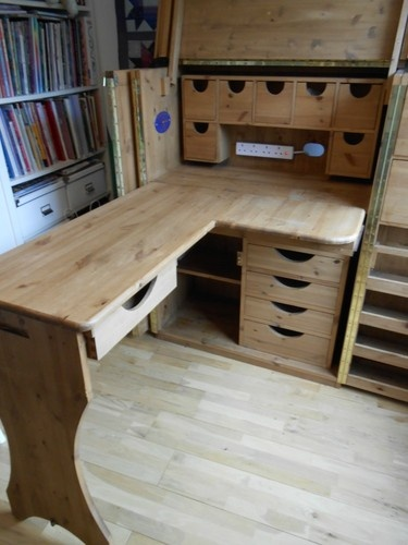 Solid wood craft/sewing cupboard - this is similar to what I'm looking for but want it to be usable when not extended
