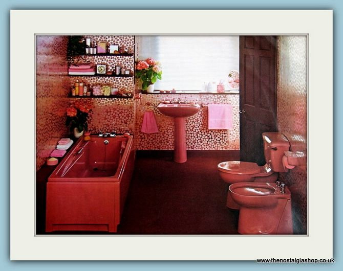 139 best vintage bathroom images on pinterest retro for Avocado bathroom suite ideas