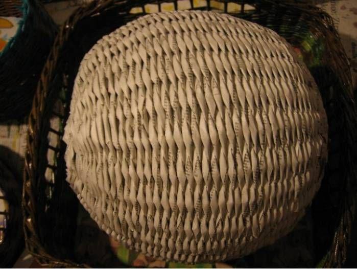 Плетение шара из газет - Плетение из газетных трубочек - Поделки из бумаги - Каталог статей - Рукодел.TV
