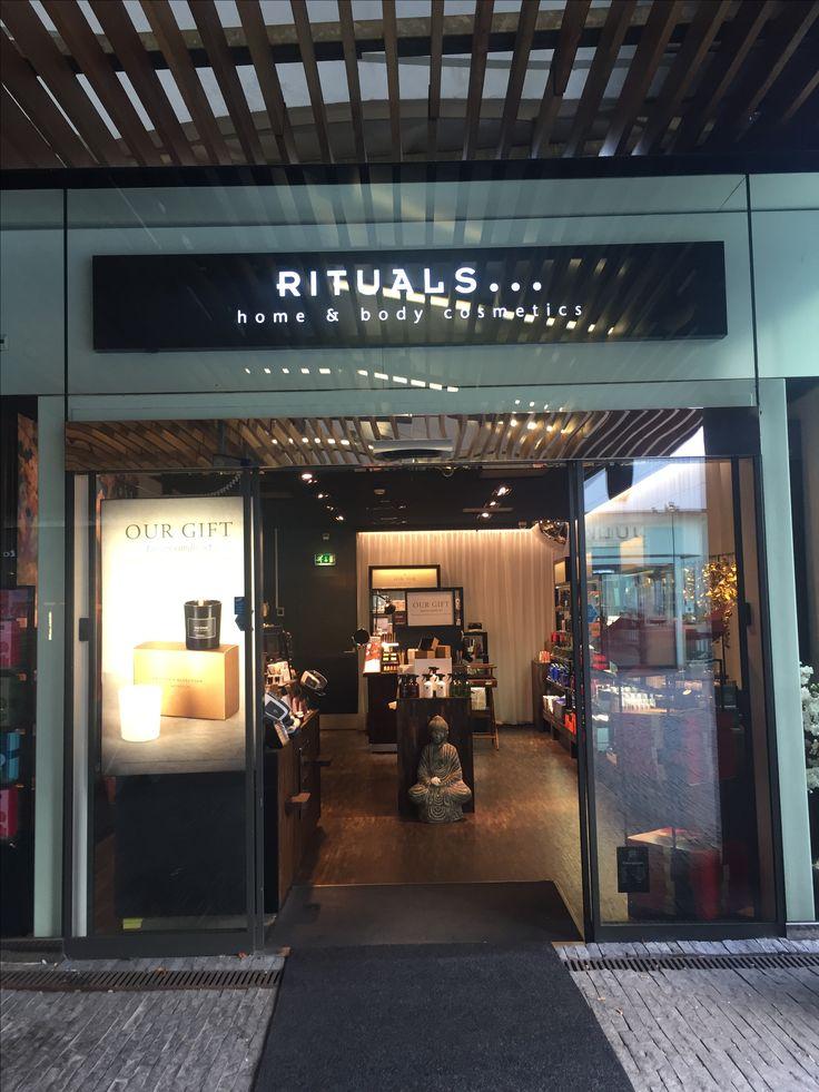 Station Amsterdam Zuid Rituals Cosmetics Store 16 best
