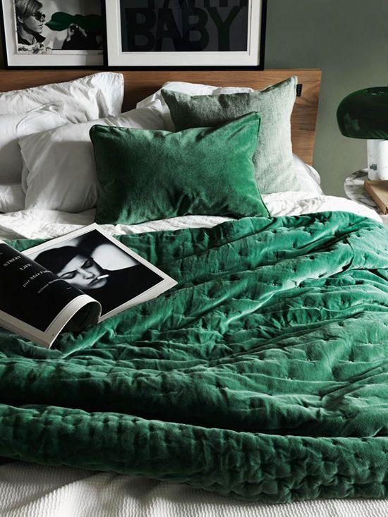 Cute velvet green sheets! Love it!