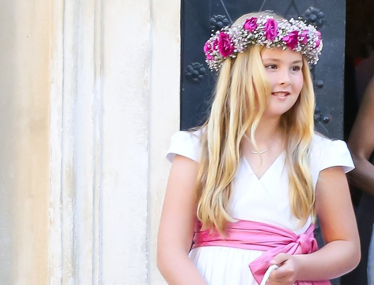 Amalia, hier bruidsmeisje op het huwelijk van haar oom Juan Zorreguieta en Andrea Wolf, zal ooit vast ook een uitstekende Oranje-koningin worden. In haar eigen stijl, net als haar voorgangers © Monika Fellner / Getty Images