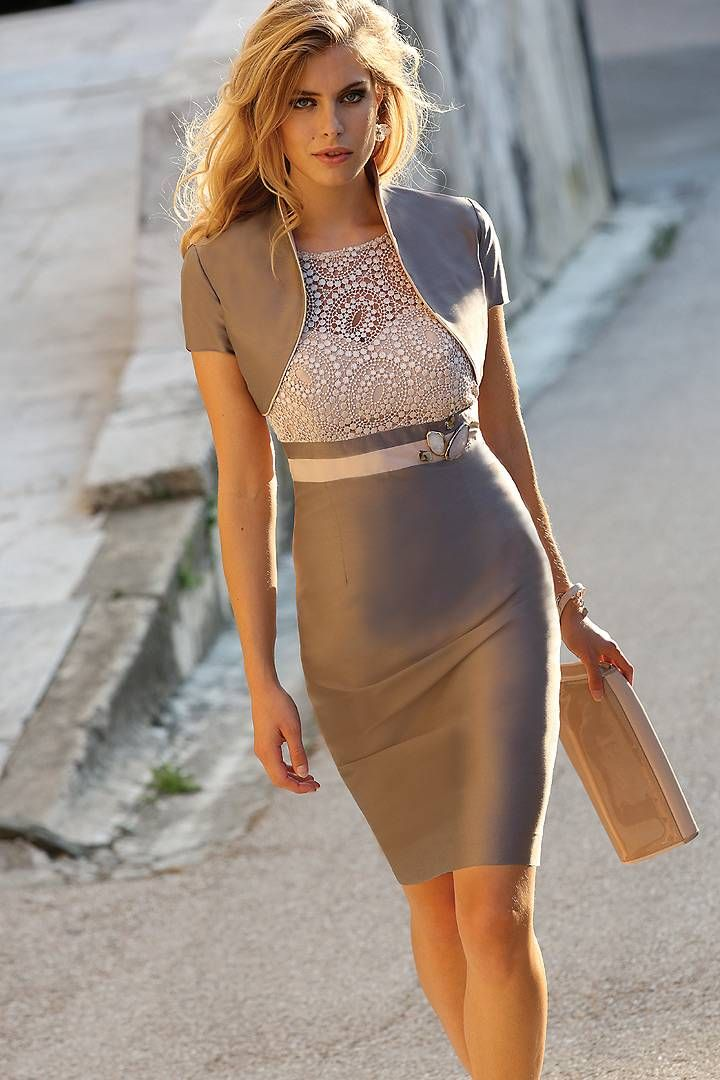 She looks amazing and so confident in this #outfit. It's just perfect!