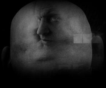 Georgi Petroesov, zilvergelatinedruk, collectie Alex Lachmann. Door dubbele belichting zien we Rodchenko op het achterhoofd van Petroesov.