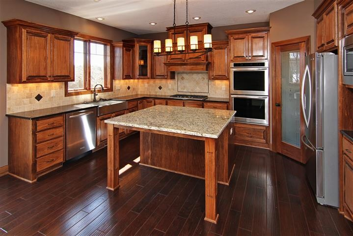 Stained Poplar Kitchen Cabinets