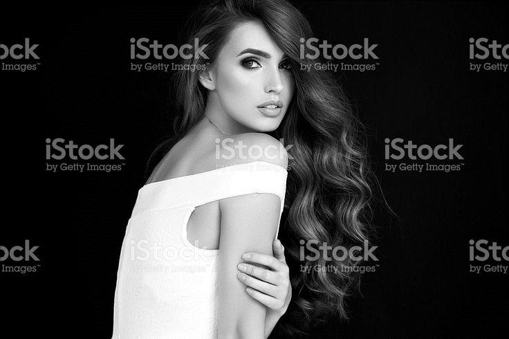 Портрет свежий и Симпатичная женщина с роскошью в мелочах – роялти-фри стоковая фотография