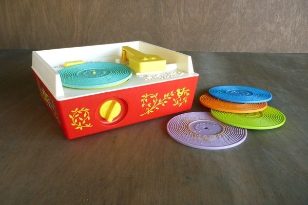 Pretend record player 1970 | Popular Toys and Games from the 1970s   *My favorite toy when I was a little girl!