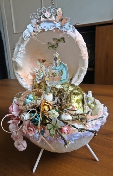 Isn't this Once Upon a Springtime altered egg amazing? Shared by Tania Martyns on our Ning site!