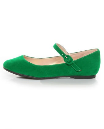 i have always had a fascination with odd colored shoes. and these are adorable and reasonably priced?!