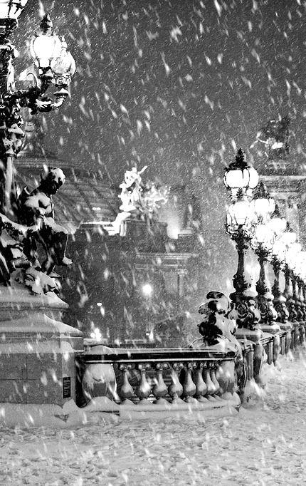 Pont Alexandre III sous la neige / Paris, France