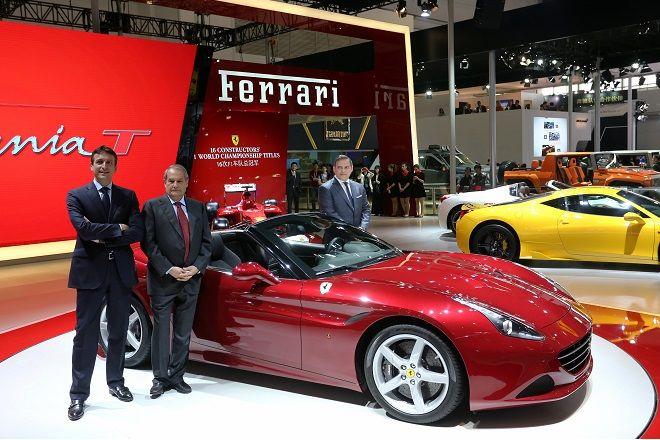 Ferrari si presenta al Salone di Pechino con due novità, California T e logo celebrativo della Cina, e tre programmi specifici