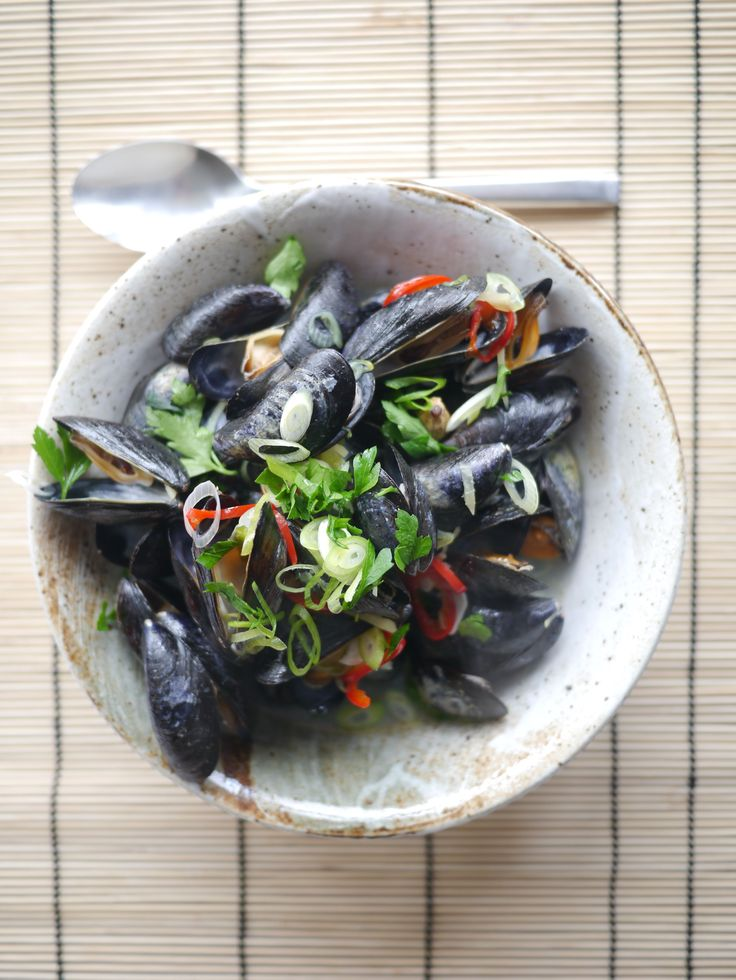Aromatic sake steamed mussels by Victoria Glass