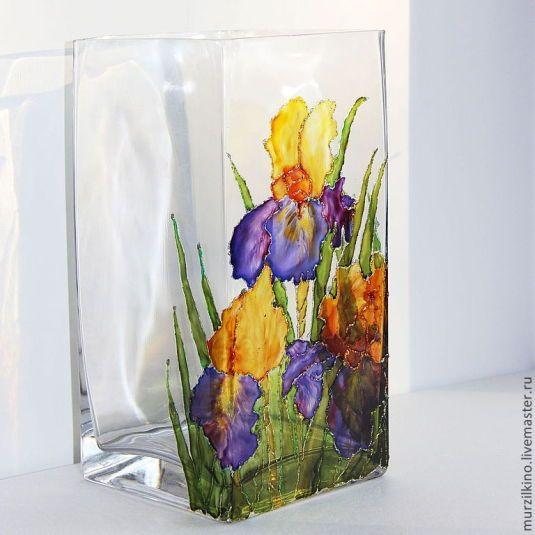 Стеклянная ваза Любимые Ирисы в каталоге Для дома на Uniqhand - желтый, фиолетовый, оранжевый, стекло