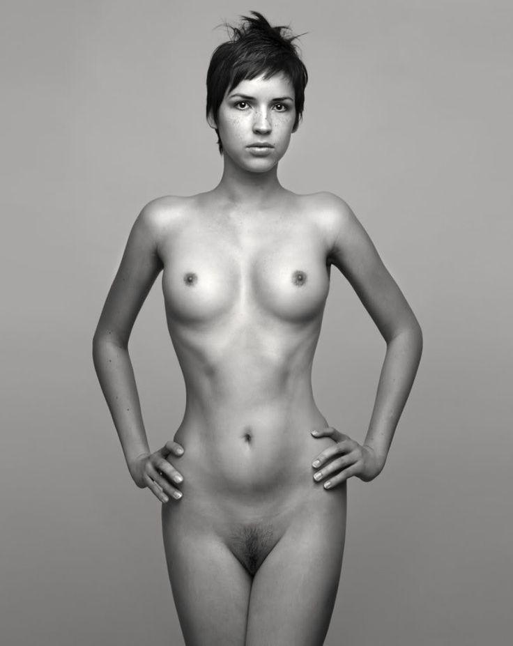 Nude Black Hair 109