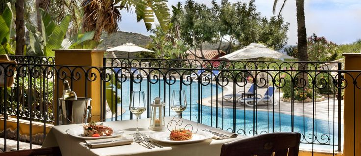 ristorante Cruccuris Resort vista piscina Villasimius Sardegna #villasimius #sardegna #sardinia #restaurantdesign