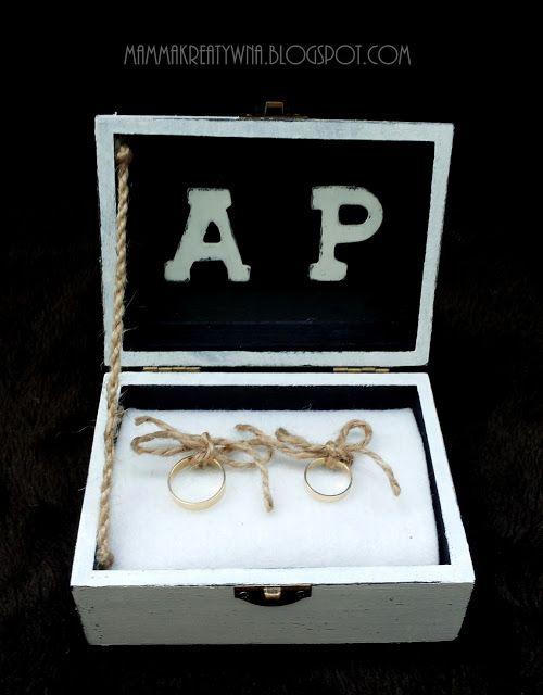 Ręcznie zdobiona szkatułka na obrączki. Handmade wedding rings box.