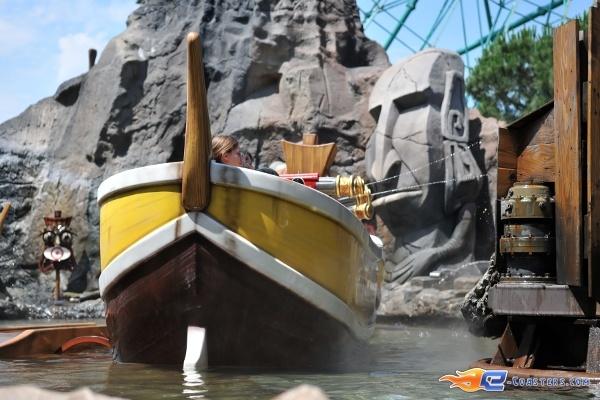 5/13 | Photo de l'attraction Raratonga située à Mirabilandia (Italie). Plus d'information sur notre site http://www.e-coasters.com !! Tous les meilleurs Parcs d'Attractions sur un seul site web !!