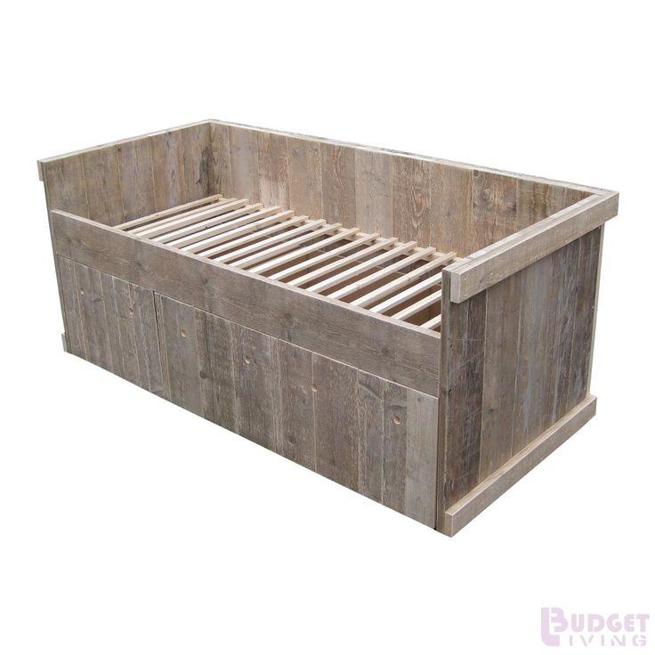 Steigerhouten kajuitbed Youri 3 laden, oud hout en onbehandeld