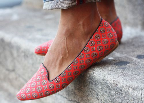 slippers: Smoke Slippers, Loafers, Fashion, Style, Red Shoes, Cute Flats, Flats Shoes, Ballet Flats, Smoking Slippers