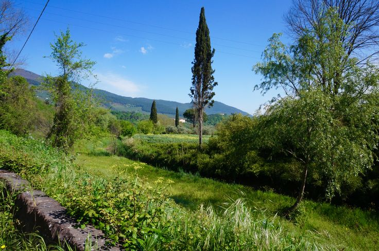 Secret tracks and country lanes, perfect for walking, rambling, hiking, trekking and mountain biking