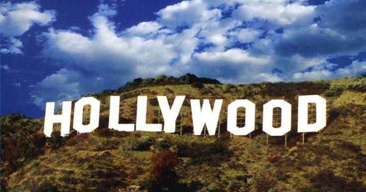 Convites para festa com o tema Hollywood. Bem-vindo a Hollywood! Prepare-se para a festa com os convites mais quentes e que darão início à celebração do seu baile temático. Quando você está dando uma festa com o tema Hollywood, é essencial incorporar algumas das características famosas de Hollywood, como estatuetas de prêmios, estrelas do Passeio da Fama, tapetes vermelhos, estréias de ...