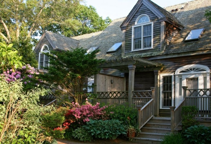 Mr & Mrs Smith - East Hampton Point Cottages- This Summer!