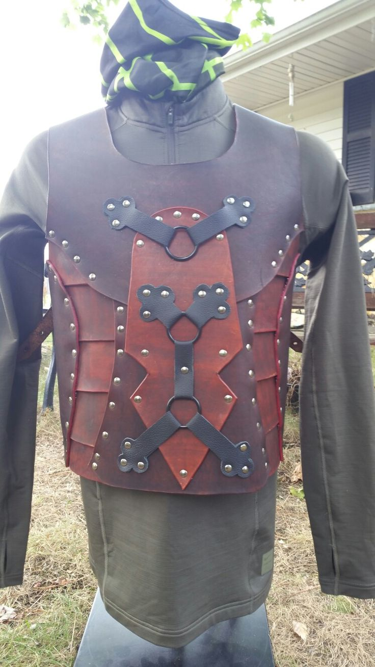 Dark Raider Leather Chest Armor for sale check instagram @rietschy or email LeatherScorpion@yahoo.com