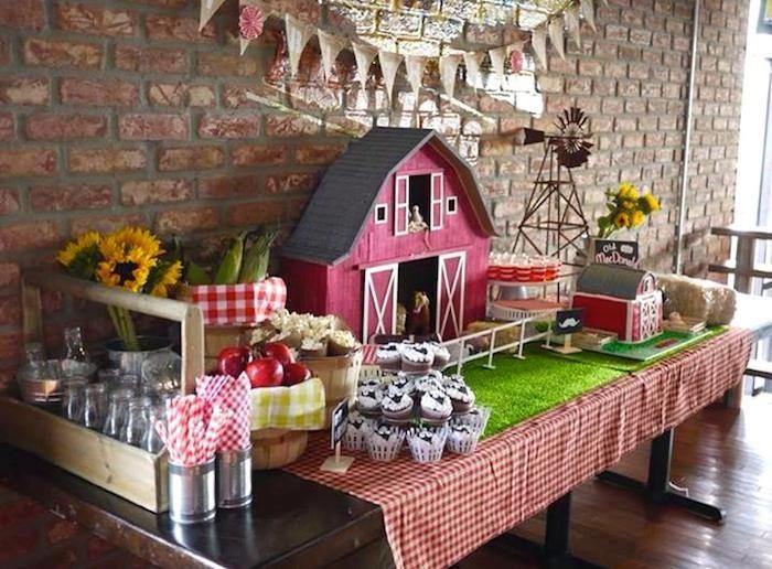 Old McDonald Farm themed birthday party via Kara's Party Ideas KarasPartyIdeas.com Cake, decor, favors, printables, supplies, etc. #farmparty #oldmcdonald #barnyardparty (13)