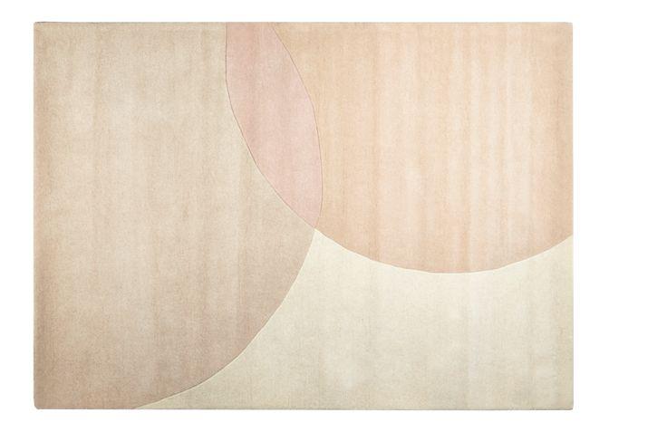 ELLIPSE Teppich mit geometrischem Rosenmotiv
