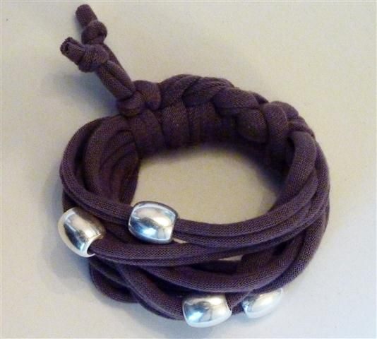 Brown bracelet with matt silver beads (12B)