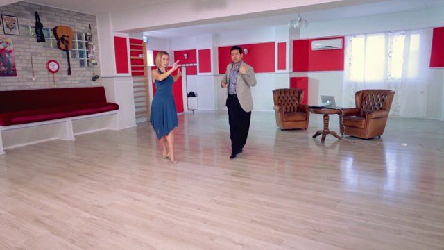 Argentine tango - Milonga traspie: Decorations. Watch the entire lesson on www.tangomeet.com.